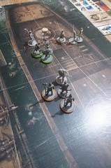 Après avoir pris 6 points de dégâts des Hallevardiers et Zaporavo, Conan entre en furie...le premier Hallebardier en fera les frais tout de suite, les deux autres et leur maître ne tarderont pas à subir le même sort !
