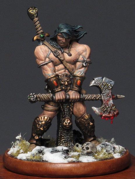 Conan, la hache ensanglantée, après avoir vaincu un Vanir (figurine Avatars of war)
