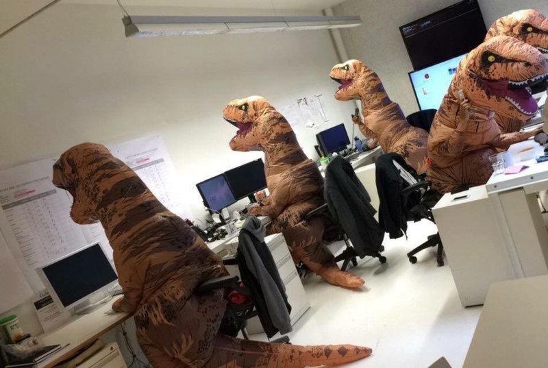 halloween-costumes-lab-department-t-rex-1447326077N.thumb.jpg.12d92af2876f1542fbd63bdfff275d11.jpg