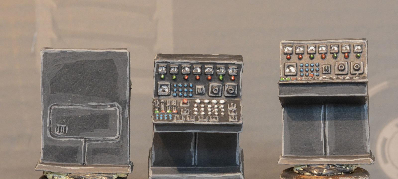 large.console-1.JPG.690327ca7339d6a060f5ca49f66f0f0e.JPG