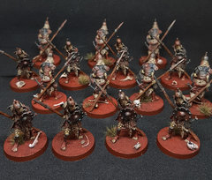Squelettes avec lance.jpg