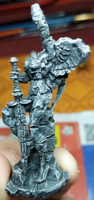 Statue Gauche.jpg