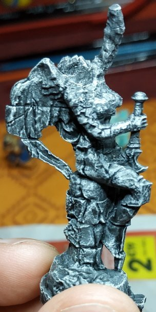 Statue Droite.jpg